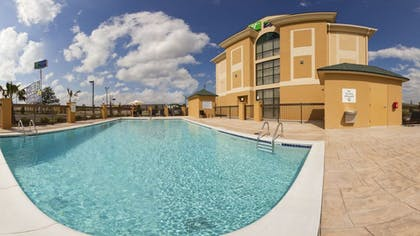 Outdoor Pool | Holiday Inn Express Hotel & Suites CORDELE NORTH