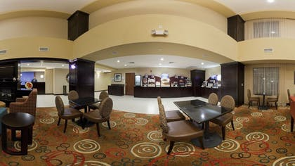 Breakfast Area | Holiday Inn Express Hotel & Suites CORDELE NORTH