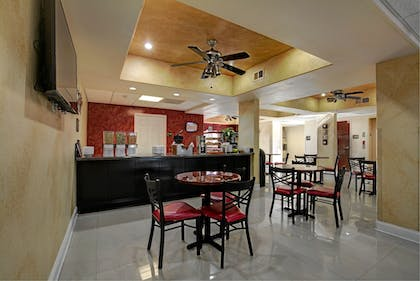 Cafe | Magnolia Inn and Suites Olive Branch