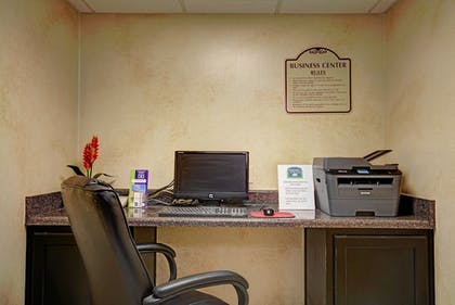 Business Center | Magnolia Inn and Suites Olive Branch