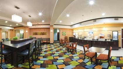 Dining | Holiday Inn Express Hotel & Suites DALLAS WEST