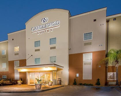 Hotel Front - Evening/Night   Candlewood Suites New Iberia