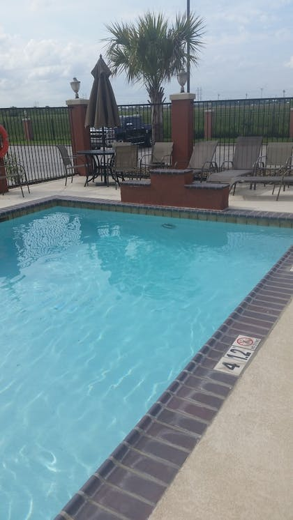 Outdoor Pool   Candlewood Suites New Iberia