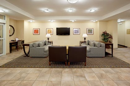 Lobby | Candlewood Suites Weatherford