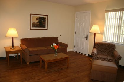Living Area | Affordable Suites Wilson