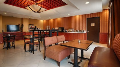 Breakfast Area | Best Western Plus Flowood Inn & Suites