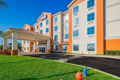 Featured Image | Comfort Inn & Suites Maingate South
