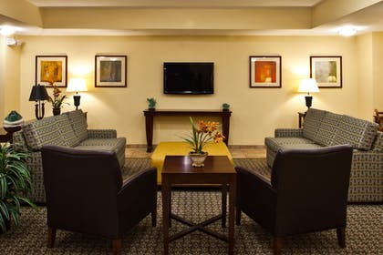 Lobby Sitting Area | Candlewood Suites Tallahassee