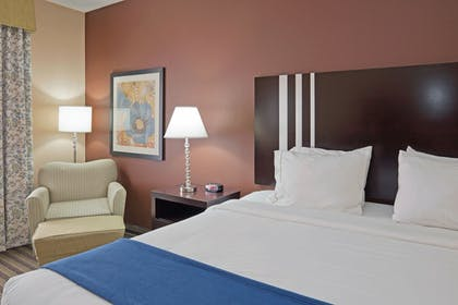 Guestroom | Holiday Inn Express Columbia