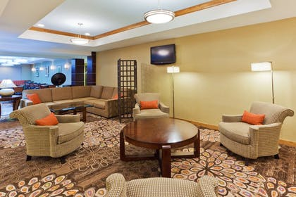 Lobby | Holiday Inn Express & Suites Alexandria - Fort Belvoir