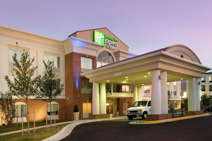 Featured Image | Holiday Inn Express & Suites Alexandria - Fort Belvoir
