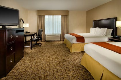 Guestroom | Holiday Inn Express & Suites Alexandria - Fort Belvoir
