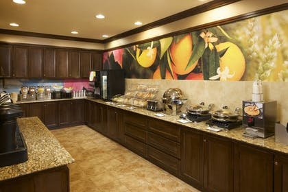 Restaurant | Fairfield Inn & Suites Houston Intercontinental Airport