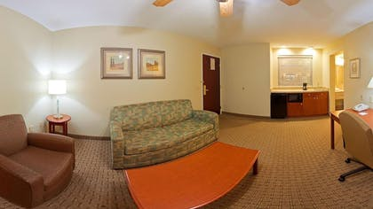 Living Area | Holiday Inn Express & Suites Covington