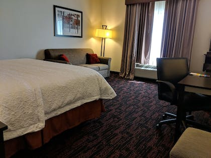 Living Room | Hampton Inn & Suites Tulsa/Tulsa Hills