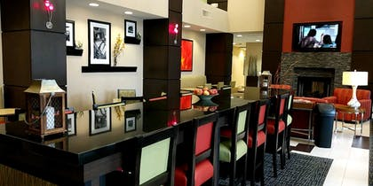 Breakfast Area | Hampton Inn & Suites Tulsa/Tulsa Hills