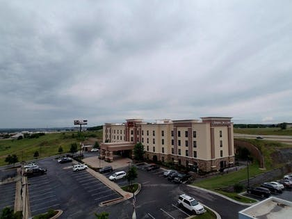 Property Grounds | Hampton Inn & Suites Tulsa/Tulsa Hills