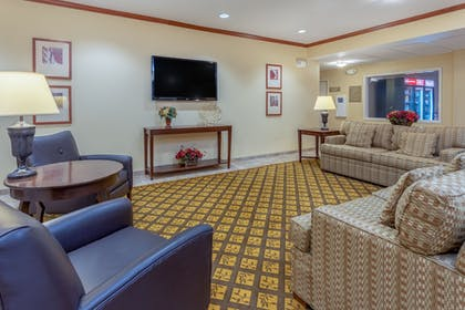 Lobby | Candlewood Suites Minot