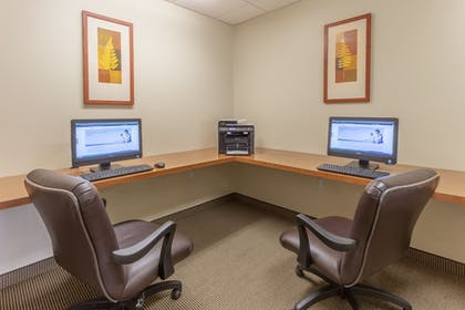 Business Center | Candlewood Suites Minot
