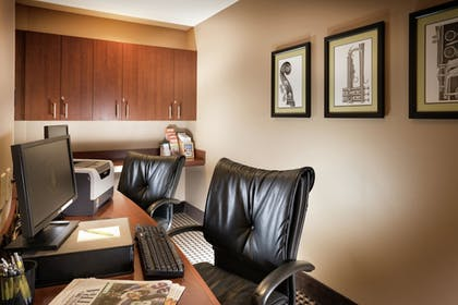 Business Center | Staypineapple, The Maxwell Hotel, Seattle Center Seattle