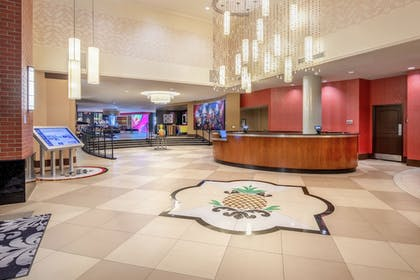 Lobby | Staypineapple, The Maxwell Hotel, Seattle Center Seattle