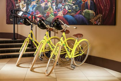 Bicycling | Staypineapple, The Maxwell Hotel, Seattle Center Seattle