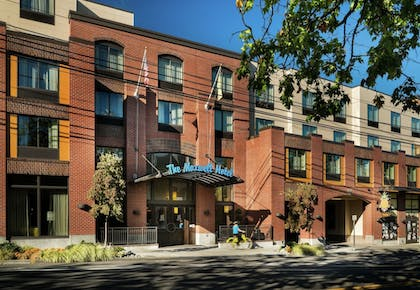 Featured Image | Staypineapple, The Maxwell Hotel, Seattle Center Seattle