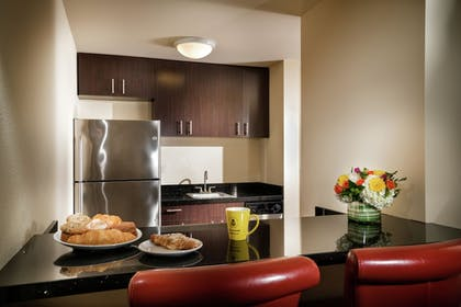 In-Room Kitchenette | Staypineapple, The Maxwell Hotel, Seattle Center Seattle