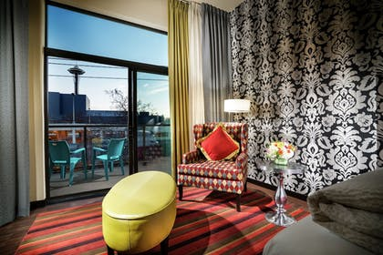 Guestroom View | Staypineapple, The Maxwell Hotel, Seattle Center Seattle