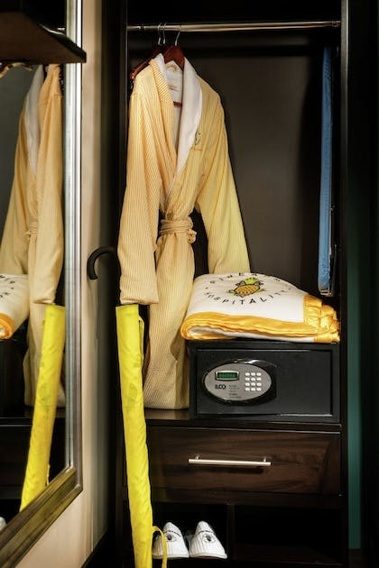 In-Room Amenity | Staypineapple, The Maxwell Hotel, Seattle Center Seattle
