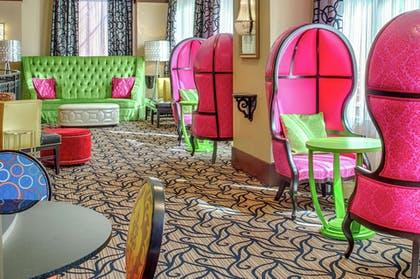Lobby Sitting Area | Staypineapple, The Maxwell Hotel, Seattle Center Seattle