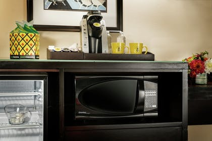 In-Room Coffee | Staypineapple, The Maxwell Hotel, Seattle Center Seattle