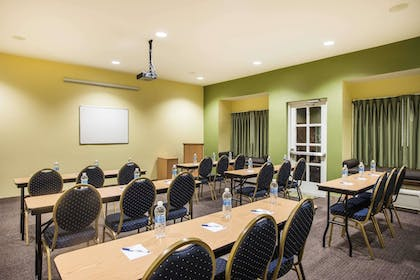 Meeting Facility | Microtel Inn & Suites by Wyndham Opelika
