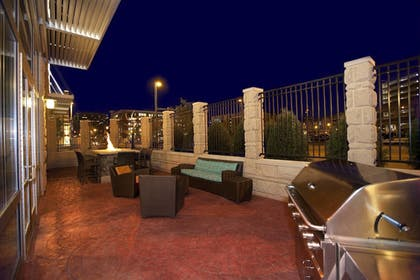 BBQ/Picnic Area | Residence Inn by Marriott Pittsburgh North Shore