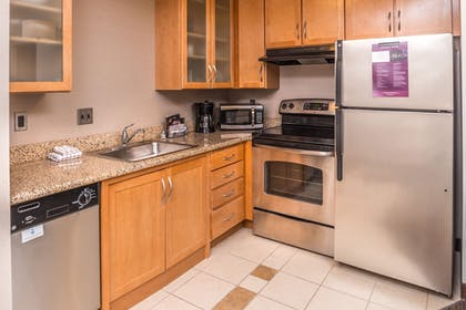 In-Room Kitchen | Residence Inn by Marriott Pittsburgh North Shore