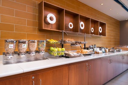 Breakfast Area | SpringHill Suites by Marriott Pittsburgh Southside Works