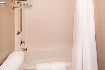 Bathroom | SpringHill Suites by Marriott Pittsburgh Southside Works