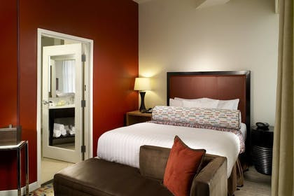 Guestroom | Courtyard by Marriott Atlanta Downtown