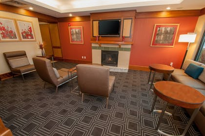 Lobby | TownePlace Suites by Marriott Scranton