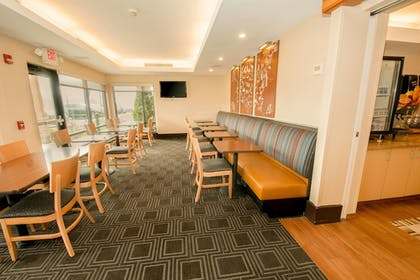 Restaurant | TownePlace Suites by Marriott Scranton