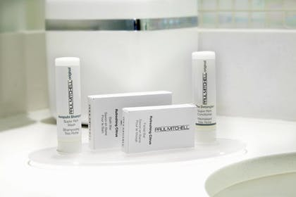 Bathroom Amenities | SpringHill Suites by Marriott Pittsburgh Bakery Square