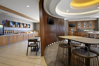 Breakfast Area | SpringHill Suites by Marriott Pittsburgh Bakery Square