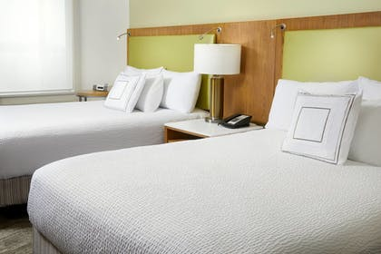 Guestroom | SpringHill Suites by Marriott Pittsburgh Bakery Square