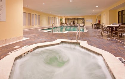 Pool | Holiday Inn Express Hotel & Suites St. Robert