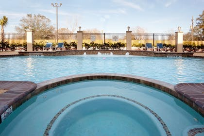 Pool | Holiday Inn Express & Suites Houston NW/Beltway 8 West Road