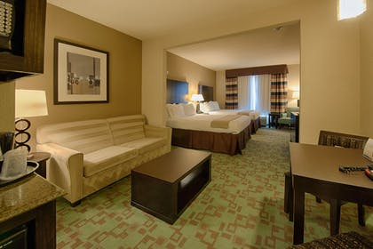Living Area | Holiday Inn Express & Suites Houston NW/Beltway 8 West Road