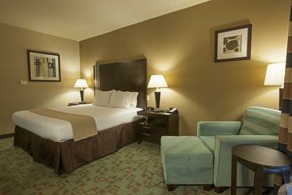 Guestroom | Holiday Inn Express & Suites Houston NW/Beltway 8 West Road