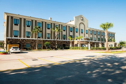 Featured Image | Holiday Inn Express & Suites Houston NW/Beltway 8 West Road