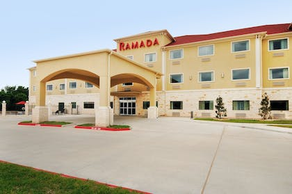 Hotel Front | Ramada by Wyndham College Station