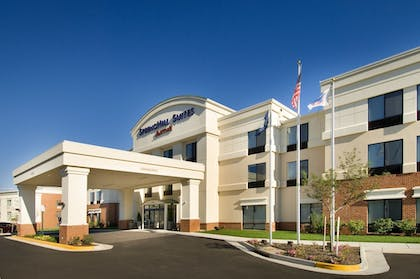 Hotel Front   SpringHill Suites Alexandria